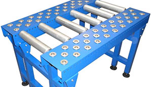 Heavy duty roller table