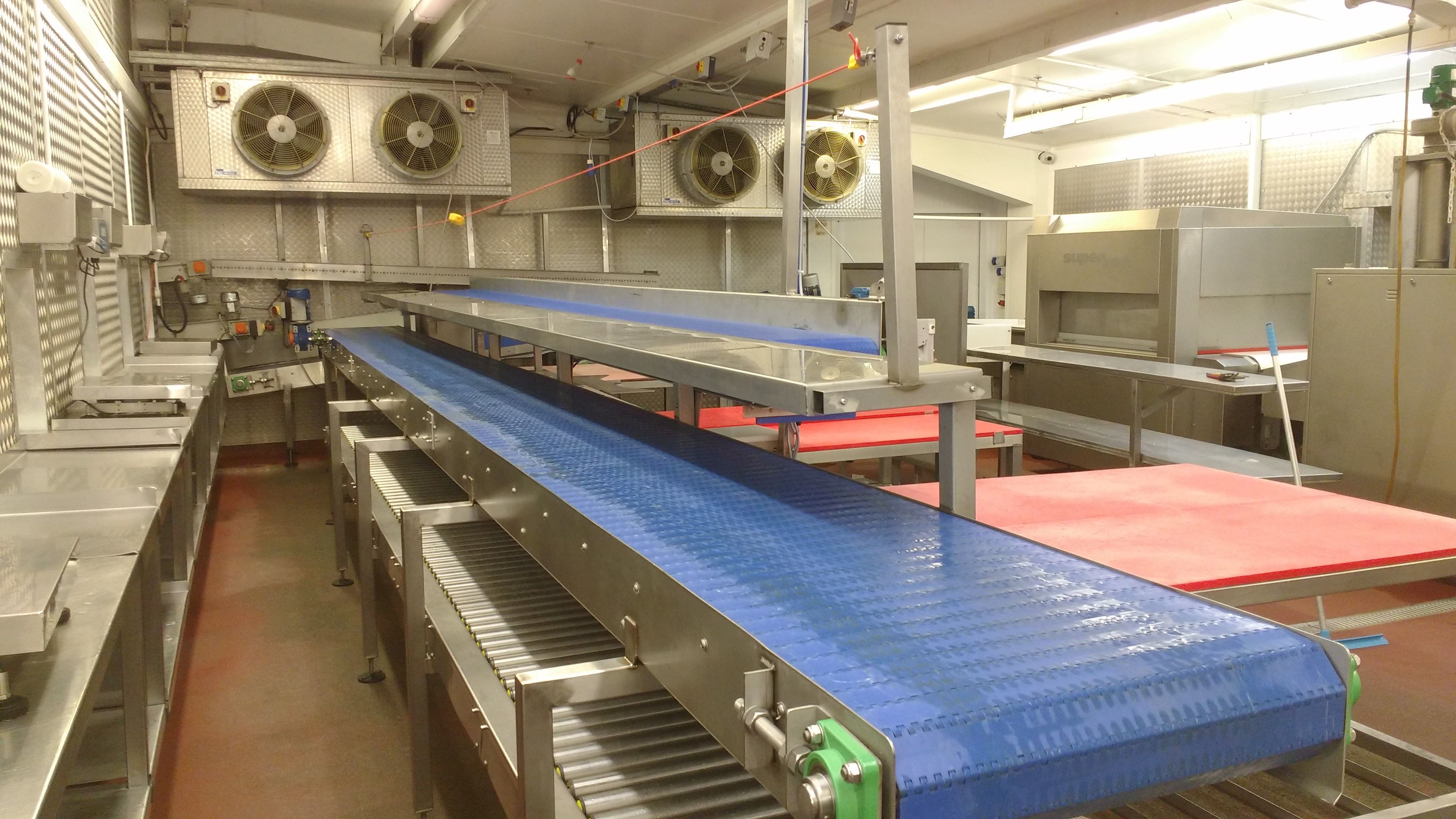 Heavy duty modular belt conveyor, Integrated workstations and 24V Driven roller conveyor