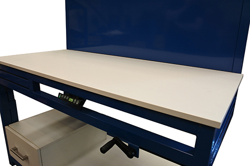 Height adjustable workbench adjustment