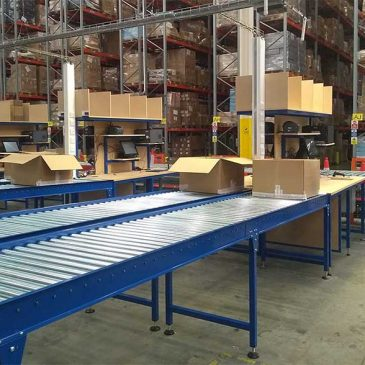 packing line workbench and conveyors
