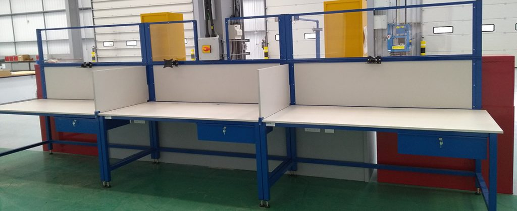 industrial workbench with partitions