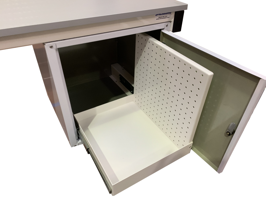 Cantilevered bench cupboard - pull out storage