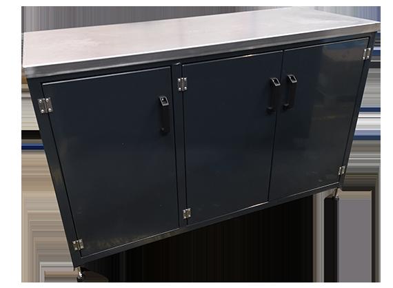 Workshop Triple cupboard workbench