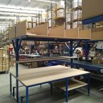 packing bench with belt conveyor