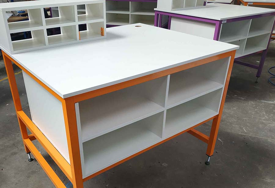Packing bench with shelves & pigeonholes