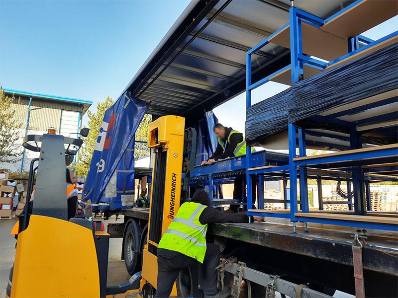 Lineshaft conveyor installation