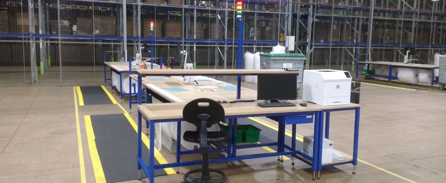 warehouse packing bench with andon