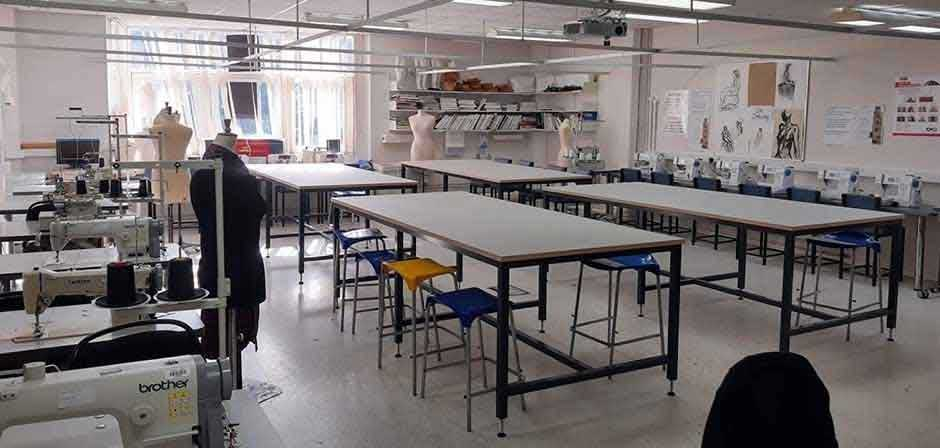 Cutting tables for classroom - Vapour Colour Worktop