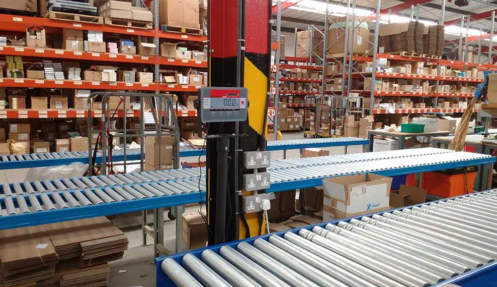 weighing and inspection in warehouse