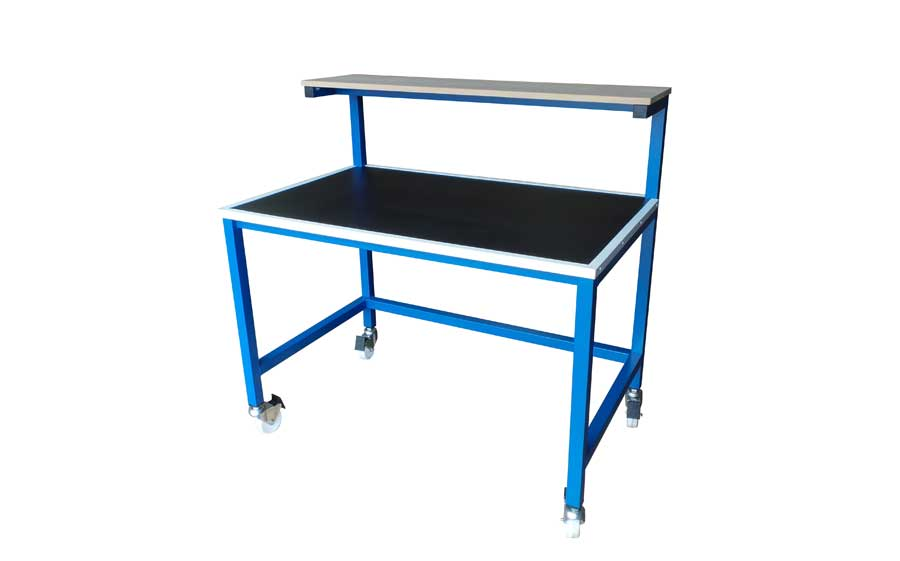 Packing bench on wheels