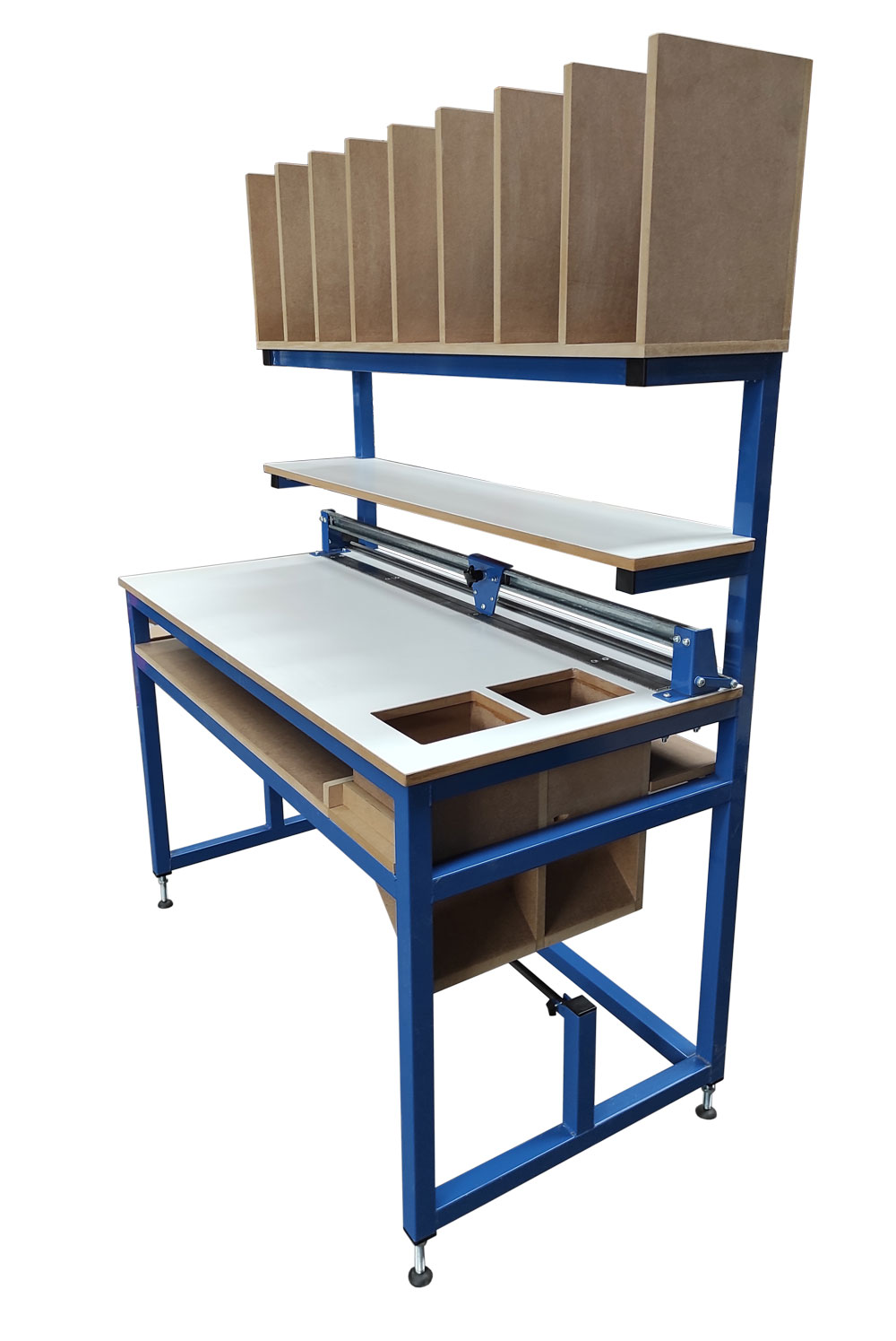 Packing bench with cutter & refuse chute