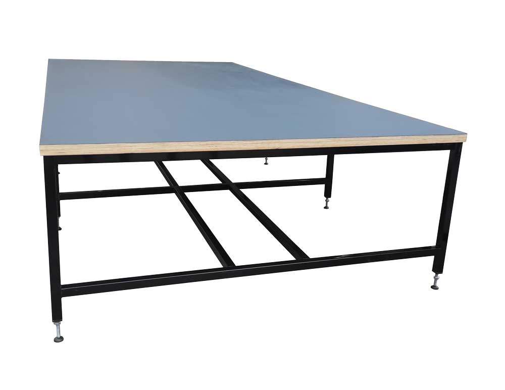 Cutting table with black lino top (#18166)