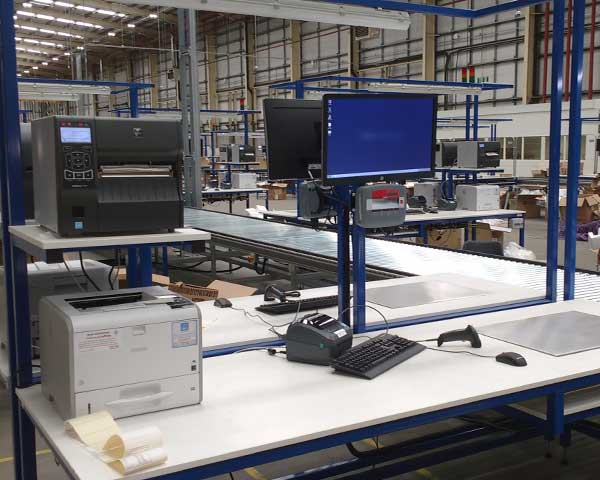 Packing benches for efulfillment